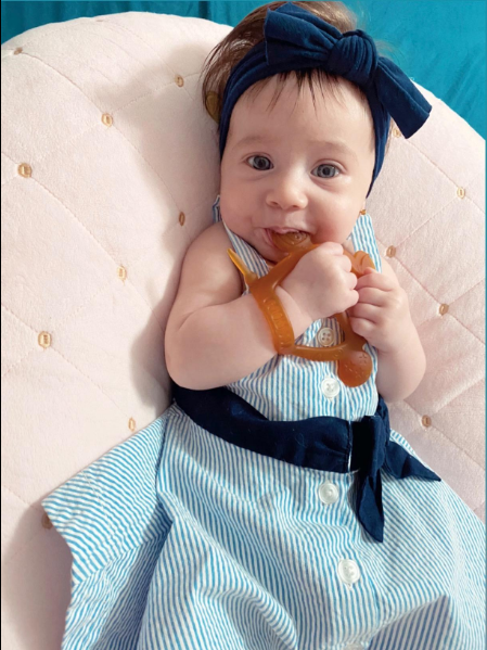 The excellent teether is practical and easy to place the baby