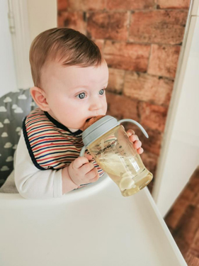 When And How To Start Introducing Sippy Cups To Your Baby